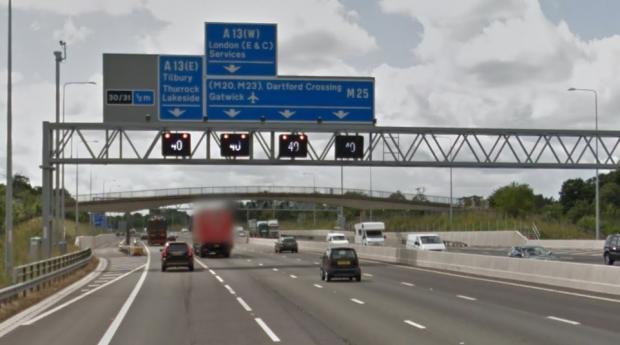 Thurrock Gazette: M25 signs